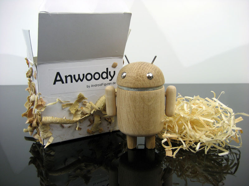 AndroidFiguren.de Anwoody Oak Bio Android made by Nature curved out by hand