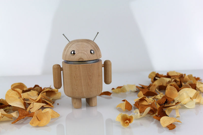 AndroidFiguren.de Anwoody Mapsy Maple Bio Android made by Nature curved out by hand
